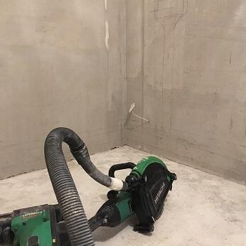Штробление стен под проводку около метро Красные Ворота
