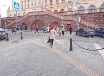 Баррикадная станция метро